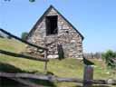 pyrenees0413: Grange sur les hauteurs de Grust